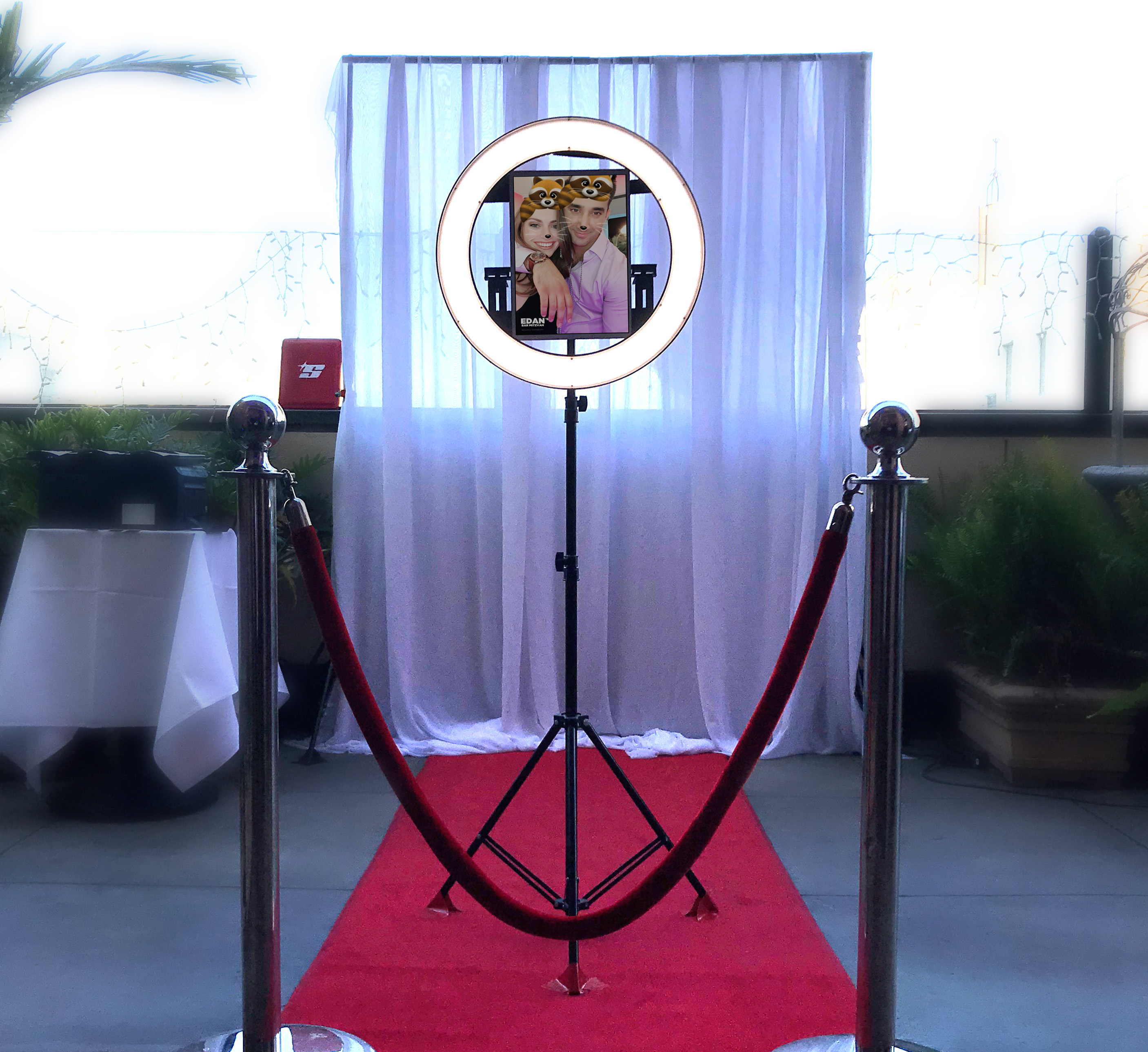 HaloBooth by Angels Music DJs Los Angeles DJs for Events, best photo booth services and rental in L.A