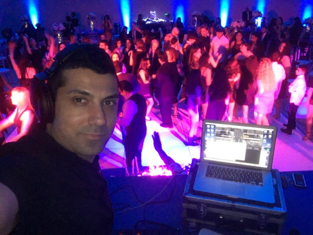 Israeli Wedding DJ, Israeli DJ, Jewish DJ, Jewish wedding DJ, Party DJ, Wedding DJ Los Angeles, Bar Mitzvah DJ, MC, EmCee Bar Mitzvah
