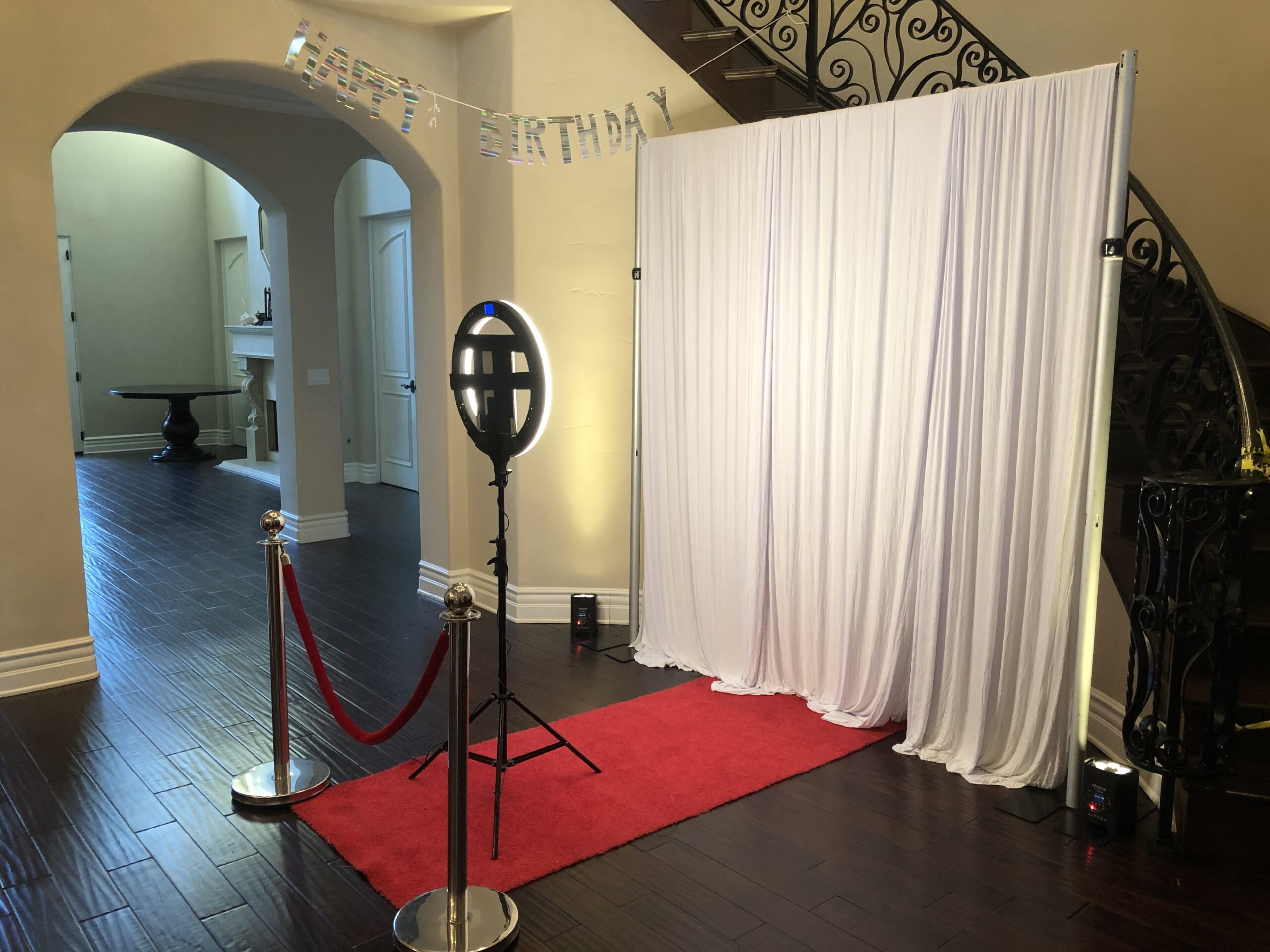 Halo Photo booth Los Angeles, Photo booth rental, 360 Photo Booth, Best Photo booth