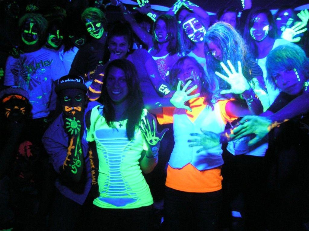 glow in the dark party UV Light rental