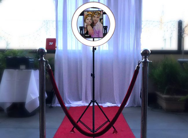 Photo Booth Rental Los Angeles, Open Air Photo Booth, Enclosed photo Booth, Digital props Photo Booth, Led Enclosed Photo Booth, Los Angeles Best Photo Booth, Social Share Photo Booth, Party Photo booth, Halobooth, photoBooth Los Angeles