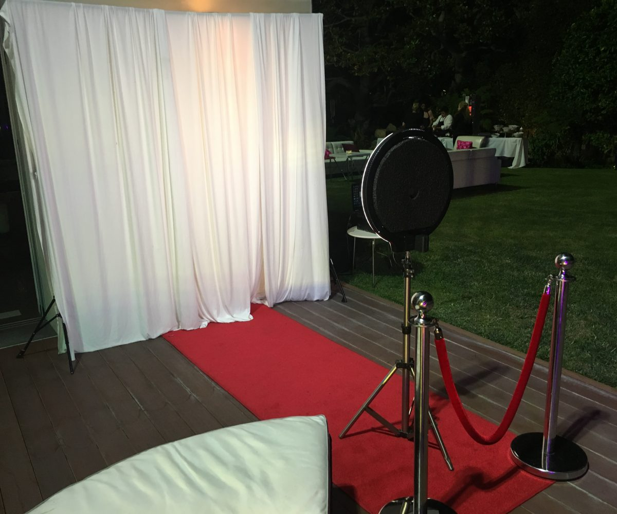 Photo Booth Rental Los Angeles, Open Air Photo Booth, Enclosed photo Booth, Digital props Photo Booth, Led Enclosed Photo Booth, Los Angeles Best Photo Booth, Social Share Photo Booth, Party Photo booth, Halobooth, photoBooth Los Angeles, Photo Booth rental Los Angeles
